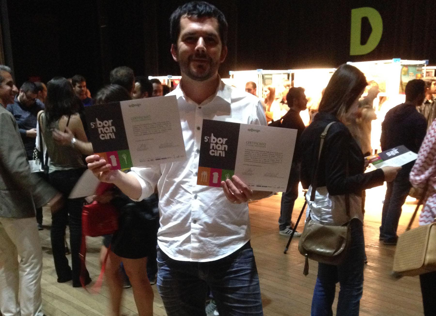 O designer Gilnei Silva, Diretor da SPR Design recebe prêmio Bornancini